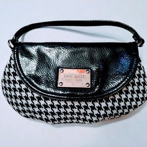 Nine West small purse houndstooth black and white